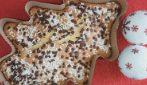 Torta pandoro con gocce di cioccolato: la ricetta soffice e golosa