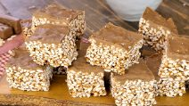 Mars and puffed rice squares: a sweet treat ready in no-time!
