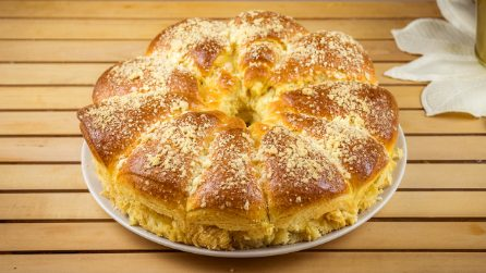 Fluffy apple brioche: you've never seen a dessert like this one!