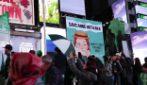 """I manifesti per rinnovare la serie """"Chiamatemi Anna"""" nelle strade di Toronto e New York"""