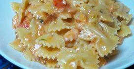 Farfalle al salmone: la ricetta del primo piatto saporito