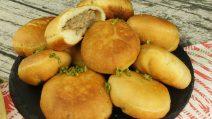 Empanadas de carne: fofas e deliciosas, perfeitas para um jantar cheio de sabor!