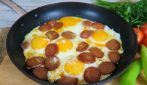 Eggs in a pan: the tip to prepare a complete meal quickly