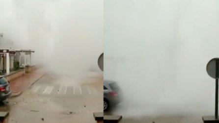 Tempesta Gloria in Costa Brava: le onde sono altissime e inondano le strade
