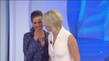 Giulia Michelini a C'è posta per te per fare una sorpresa a Francesco