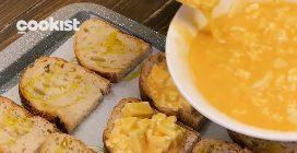 Pane all'uovo al forno: la ricetta svuota frigo facile e veloce!