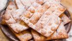 Chiacchiere di Carnevale: fritte o al forno saranno deliziose!