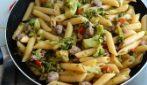 Penne con broccoli e salsiccia: la ricetta del primo piatto delizioso
