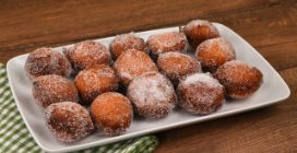 Sweet cheese fritters: you won't be able to stop at one!