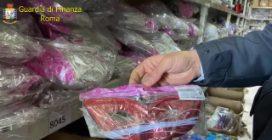 Maxi sequestro di Carnevale a Roma: 5 milioni di articoli tra maschere e costumi pericolosi