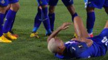Europa League: Deyverson, gol all'Ajax: poi viene colpito da un accendino