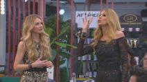 """Licia Nunez accusa Adriana Volpe: """"Elude il microfono per fare strategie"""""""