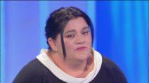 """C'è posta per te 2020, Giovanni alla madre Flora: """"È un mostro"""". Maria De Filippi si infuria"""