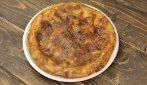 Frittata di pane raffermo in padella: la ricetta veloce ed economica che piacerà a tutti!