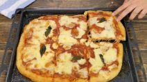 Homemade pizza crust with 1g of yeast: the result is amazing!