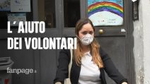 """Coronavirus Napoli, i volontari che aiutano gli anziani soli: """"Ce la faremo, gli facciamo coraggio"""""""