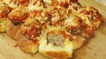 Pão recheado com almôndegas: como preparar um petisco gostoso para um jantar com amigos!