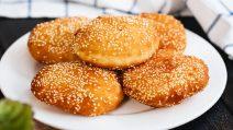 Pãezinhos de gergelim (banh tieu): o pão vietnamita para experimentar pelo menos uma vez na vida!