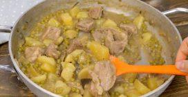 Spezzatino di carne, patate e piselli: la ricetta che piacerà a tutta la famiglia!