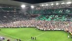 Coppa di Francia, mega invasione di campo: tifosi del Saint-Etienne festeggiano la finale
