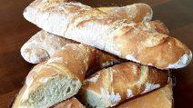 Baguette fatte in casa: la ricetta per averle fragranti e gustose