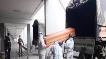 Coronavirus, i camion dell'esercito portano bare da Bergamo a Cinisello Balsamo
