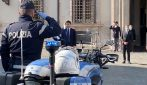 Conte rende omaggio al poliziotto della sua scorta, morto per il Coronavirus