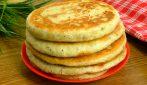 Pan focaccia cotto in padella: semplice, veloce e pieno di gusto