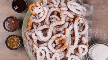 Funnel cake: experimente esse delicioso bolinho frito!
