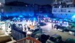 Al Loreto Mare le forze dell'ordine omaggiano medici e infermieri