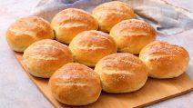 Pãezinhos de sêmola fofinhos: como fazê-los em casa em poucos passos