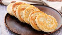 Como fazer rolinhos de pão caseiros: receita saborosa e rápida!