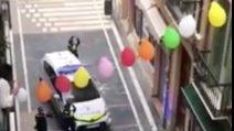Sirene spiegate e applausi: il saluto della polizia e il ringraziamento delle persone in casa