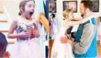 Vestito da principe invita al ballo le sue bambine: la dolcissima sorpresa di un papà