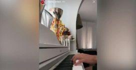 Dalla F1 al pianoforte: l'esibizione di Charles Leclerc conquista i fan