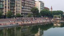 Milano, torna la movida sui Navigli a distanza di sicurezza