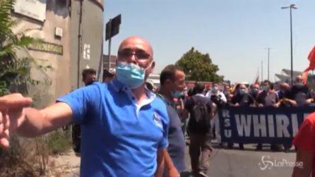 Napoli, operai Whirlpool in protesta: blocchi stradali e cori contro il governo