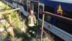 Treno con 20 persone a bordo deraglia a Trieste