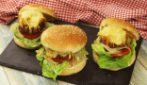 Baked burgers: how to make them juicy and delicious!