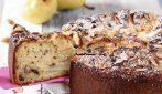 Torta con pere e mandorle: la ricetta del dessert soffice e goloso