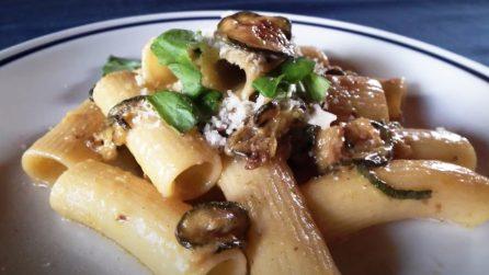 Rigatoni con zucchine e formaggi: la ricetta del primo piatto semplice e saporito