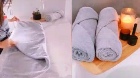 Piegare gli asciugamani in maniera perfetta: ci vogliono solo pochi secondi