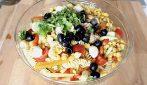 Pasta fredda con verdure e tonno: la ricetta del primo piatto saporito