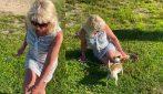 """Litigano per i cani: poi la signora finge di essere stata """"morsa da un doberman"""""""