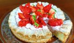 Strawberry Dacquoise: the French batter to make a delicious cake