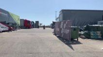 MotoGp, l'uscita di Marc Marquez dal centro medico dopo l'incidente a Jerez