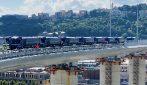 Ponte di Genova, via al collaudo: 56 tir attraversano il viadotto