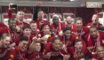Liverpool campione, esplode la festa negli spogliatoi