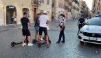 Monopattini, oltre 150 multe dei vigili nel centro storico di Roma