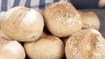 Como fazer um pão fofinho com farinha de trigo integral!